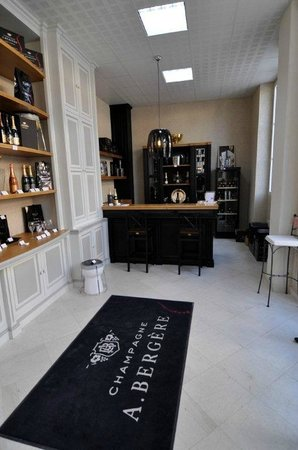 Champagne A.Bergere: The shop