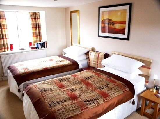 Gate House Bed & Breakfast: Twin Room