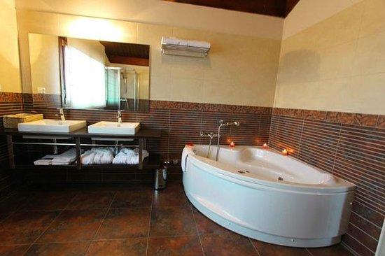 Apartamentos Turisticos Rurales Laboz: Jacuzzi
