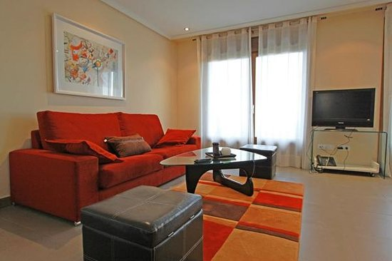 Apartamentos Turisticos Rurales Laboz: Sala de estar habitación