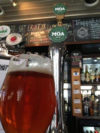 Tilleys Bar: a tasty New Zealand beer!