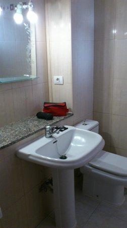 Apartamentos Caribe: Salle de bain