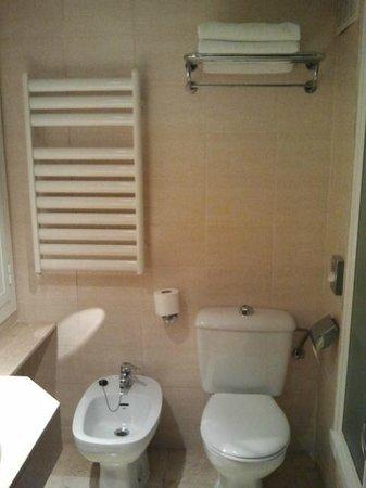 NH Sants Barcelona: Baño