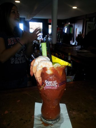 Barefoot Bob's Beach Grill: Best Bloody I've ever had!
