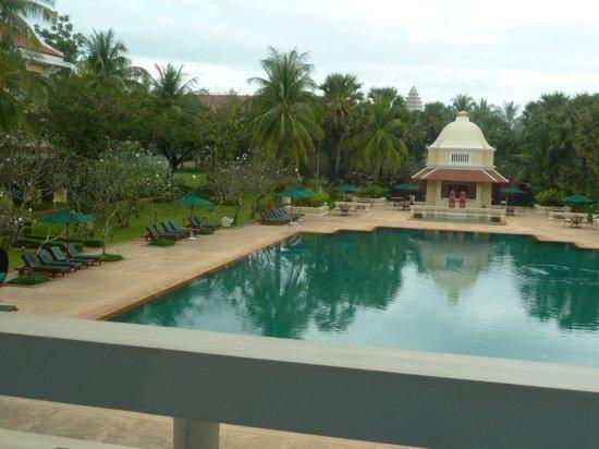 Raffles Grand Hotel d'Angkor: Pool area at rear of hotel