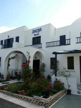 Anezina Villas: Reception and rooms