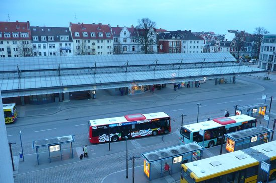 Hotel Stadt Lubeck: ZOB visibile dalla camera numero 35 alle 4.30 di mattina