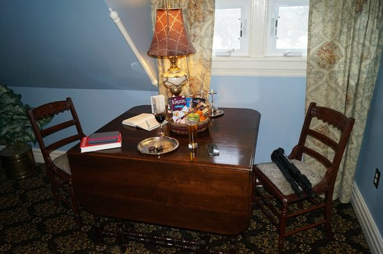 Ann Bean Mansion B&B: Breakfast nook