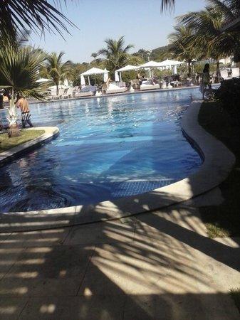 Ferradura Resort: atrás das tendas tem um lago lindo com patinhos e dá para pescar