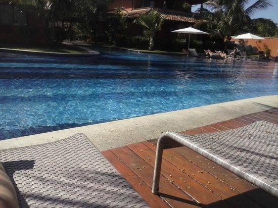 Ferradura Resort: Piscina maior com bar molhado