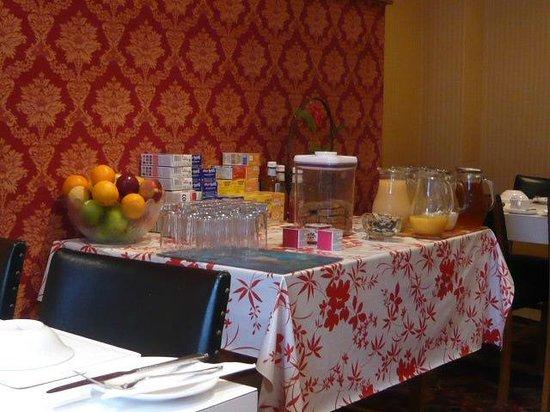 Avonmore Hotel: 朝食