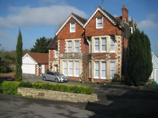 Tasburgh House: Front View of Tasburgh Hotel , set back a good way from the road
