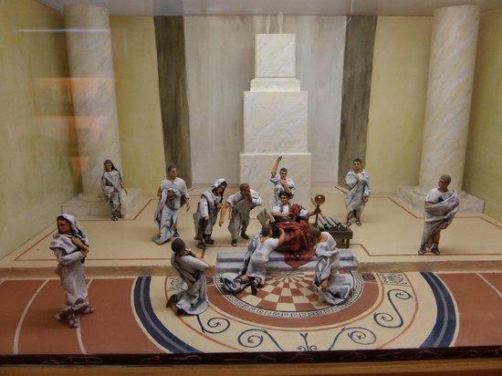 L'Iber Museo de Los Soldaditos de Plomo: ancient scenes