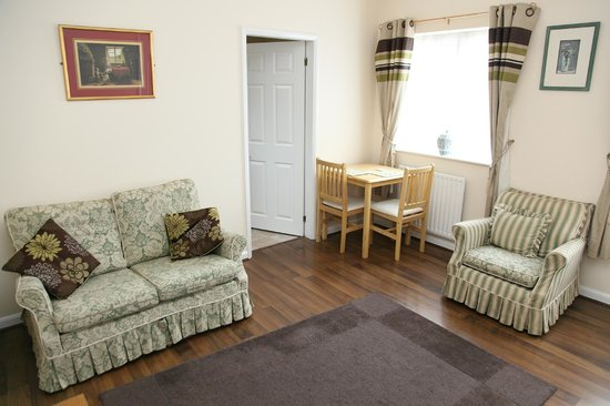 The Bell Hotel: Cottage Lounge