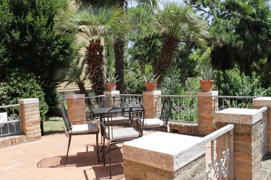 Ai giardini di san vitale ravenna italien omd men och for Giardini arredati