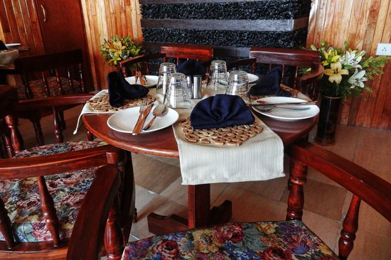 Delian's Hearth: Specializes in Seafood, Thai, Continental and Chinese