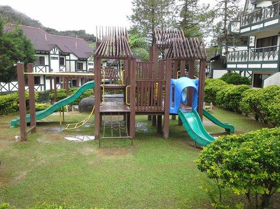 E Resort: Playground