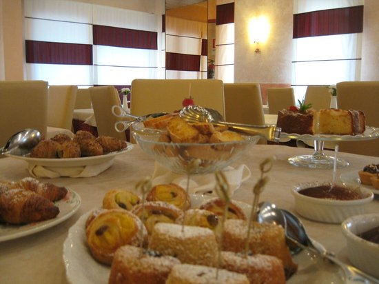 Hotel Menfi: Breakfast