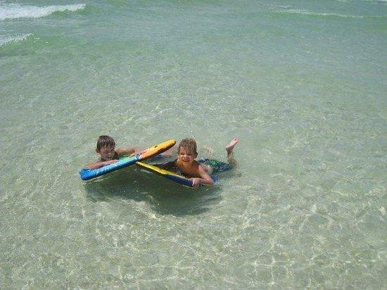 Santa Rosa Beach : Clear beautiful surf!