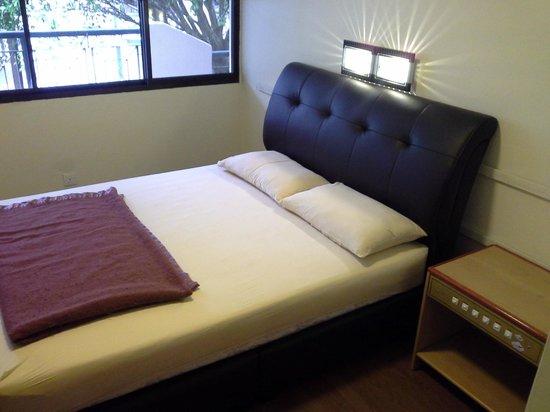 E Resort: Queen Bed