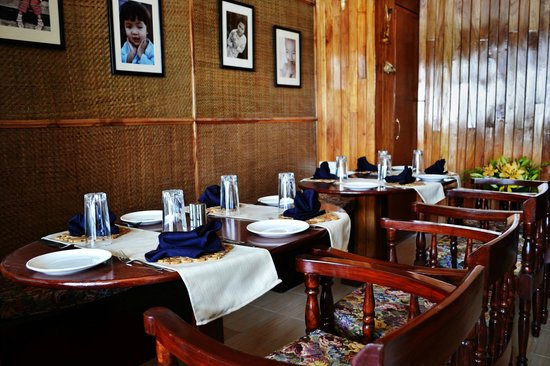 Delian's Hearth: Downstairs dining