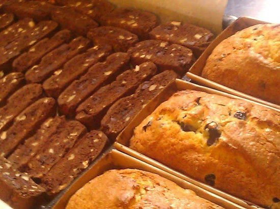 Beech Tree Inn- Brookline: biscotti and bread, fresh from the oven