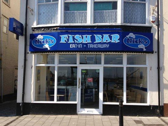 Nick's Fish Bar: outside