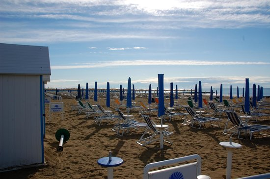 Hotel Le Soleil: la plage (en été çà doit être bondé !)