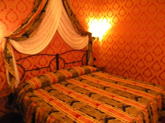 Residenza Antica Roma: Room was quaint and clean
