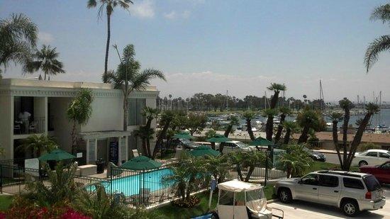 Glorietta Bay Inn: The pool then the bay