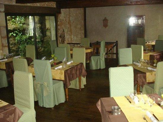 Le Rocher des Gourmets: Salle restaurant à l'étage en amoureux