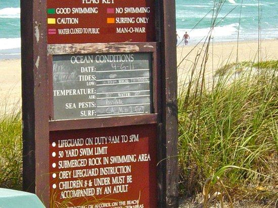 Ocean Lodge: Tides at the beach