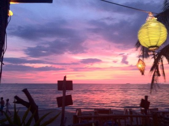 Isara Lanta Resort: Zonsondergang