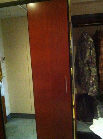 Rahat Palace Hotel: room
