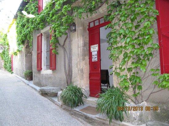 Hotel Les Remparts: l'entrée de l'hôtel