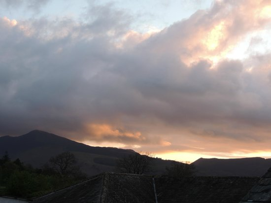 Lakeland View : Dramatic sky from Bedroom 3