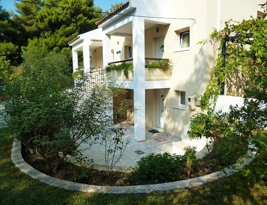 Silo Apartments: Silo Studios, Lassi