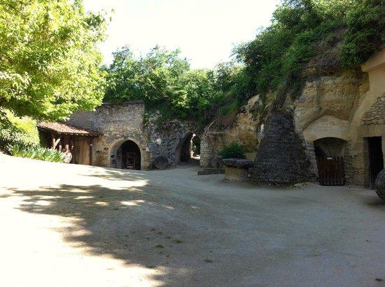 Musee Paysan du Village Troglodyte de Rochemenier : Village Troglo