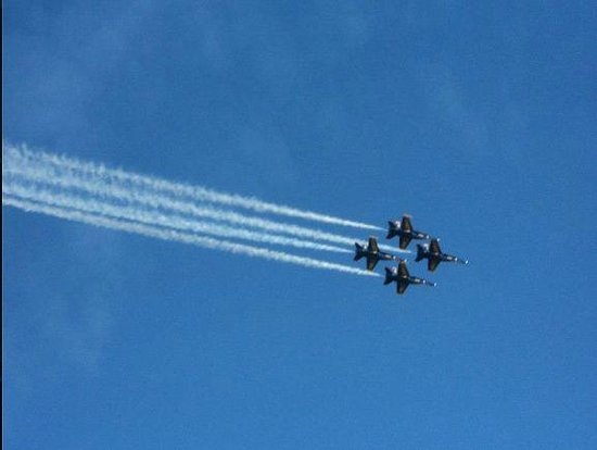 Pensacola Naval Air Station: Blue Angels practice show