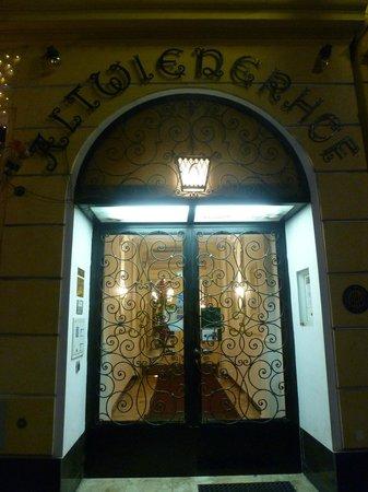 Altwienerhof: Puerta de entrada al hotel