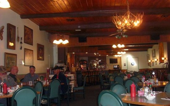Jan's Family Restaurant and Lounge: Interior of Jan's Family Restaurant