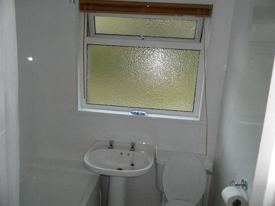 Watermouth Lodges: Beautifully clean bathroom