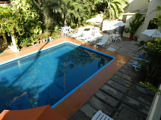 Hotel Palmeras: View of the pool from second floor