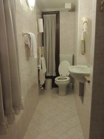 Hotel Antica Casa Carettoni : Salle d'eau