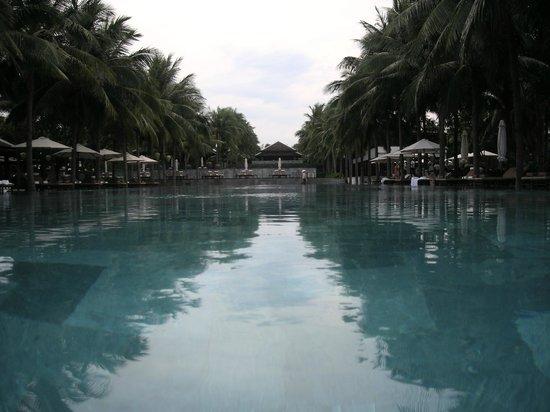 Four Seasons Resort The Nam Hai, Hoi An: Pool view