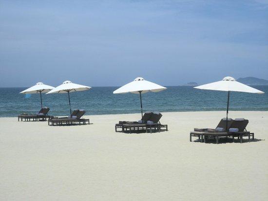 Four Seasons Resort The Nam Hai, Hoi An: Beach