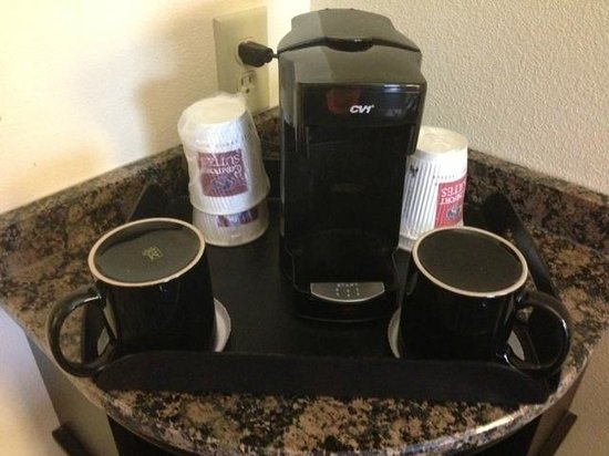 Comfort Suites Lexington: Coffee pot