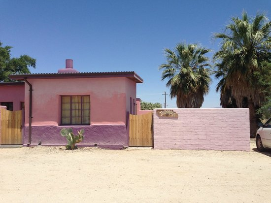29 Palms Inn: Our Dandelion abode