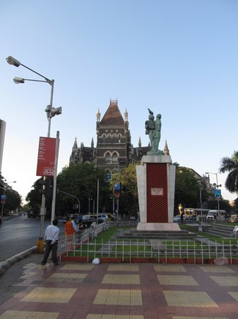Flora Fountain: Watch it can be busy here