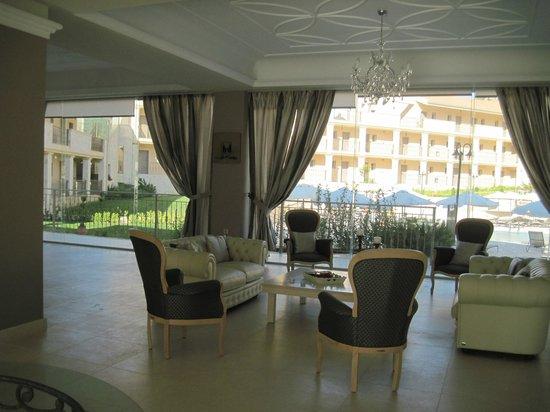 The Magnolia Resort: Reception area